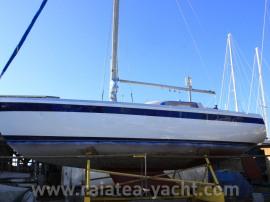 Columbia 34 - Raiatea Yacht Broker