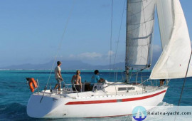 First 35 - Raiatea Yacht Broker