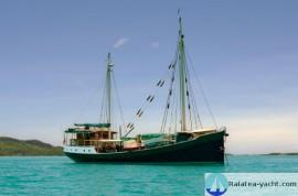 Classic Motor Sailor - Raiatea Yacht Broker