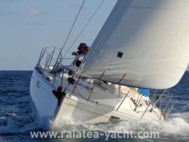 Océanis 390 - Raiatea Yacht Broker