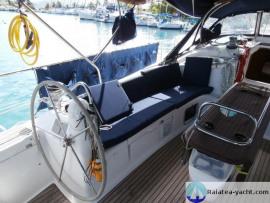 Sun Odyssey 49 cockpit babord